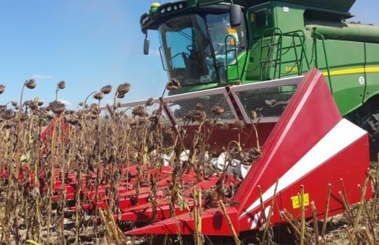 Ножи, сегменты, приспособление для уборки кукурузы и подсолнечника